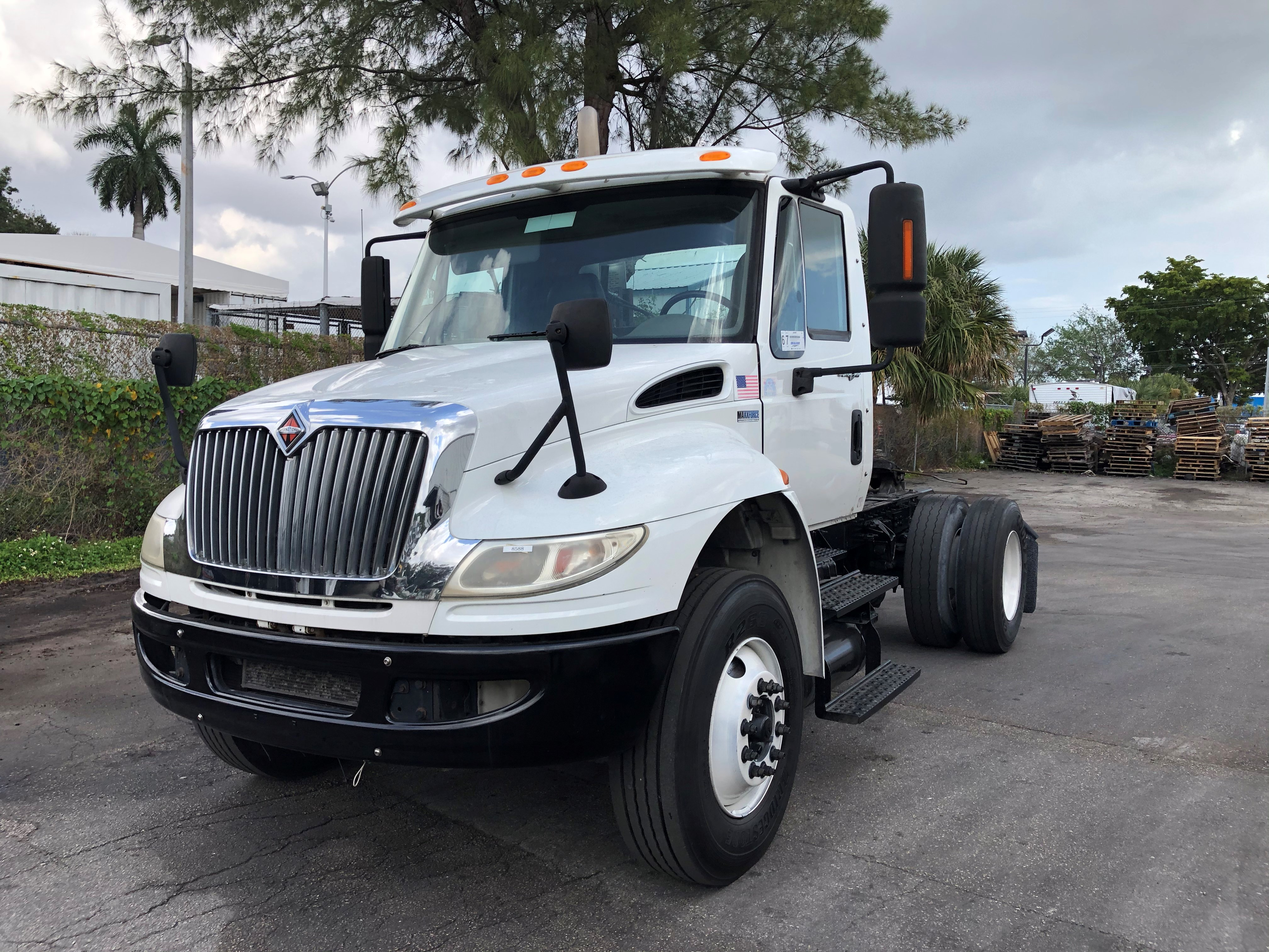 Pre-Owned 2014 INTERNATIONAL 4400