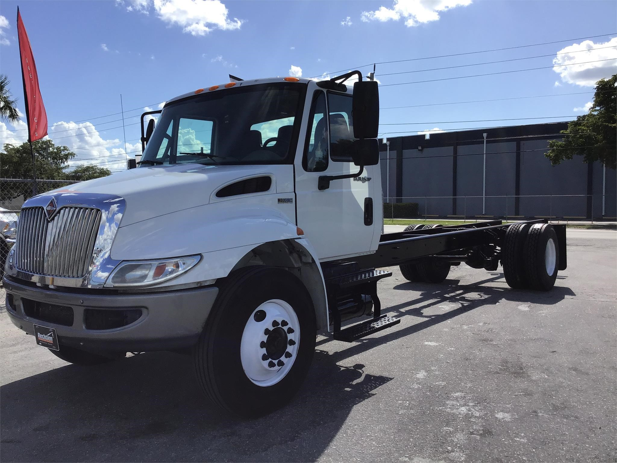 Pre-Owned 2013 INTERNATIONAL DURASTAR 4300