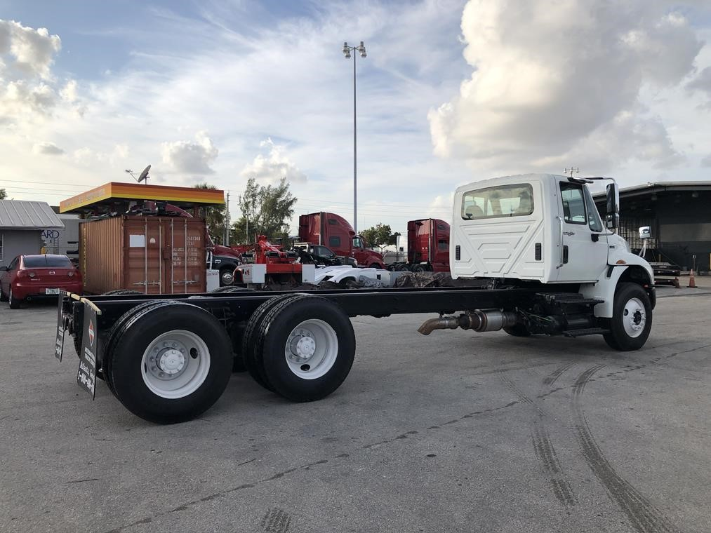 Pre-Owned 2012 INTERNATIONAL 4400