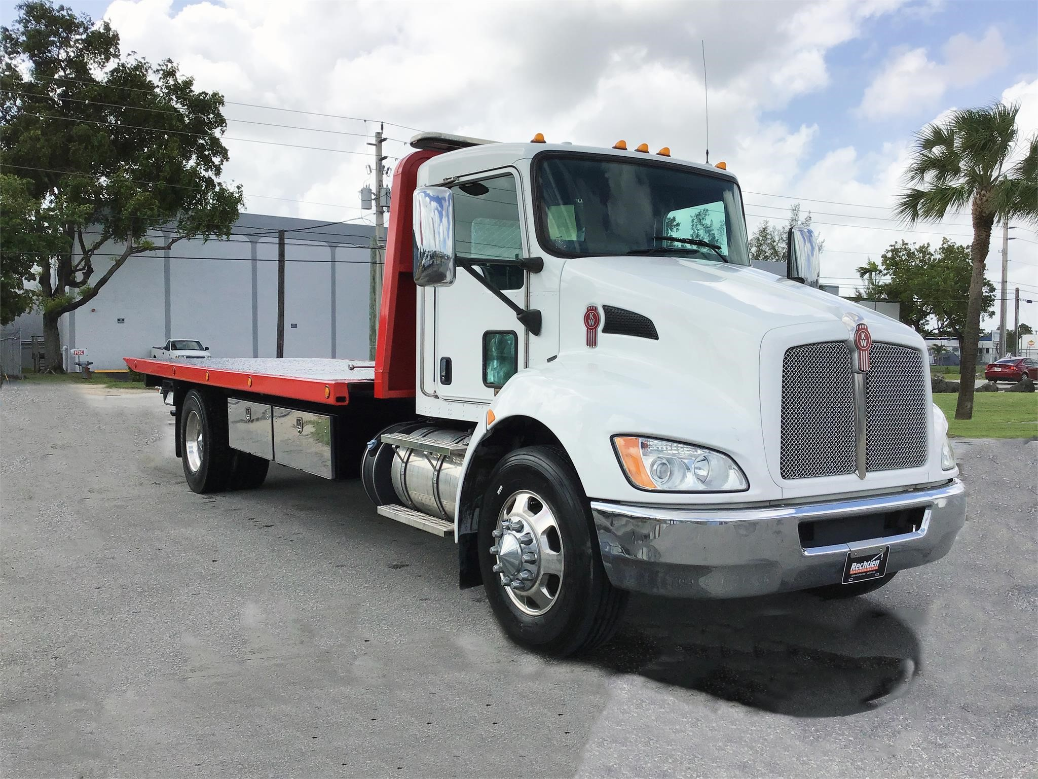 Pre-Owned 2017 KENWORTH T270