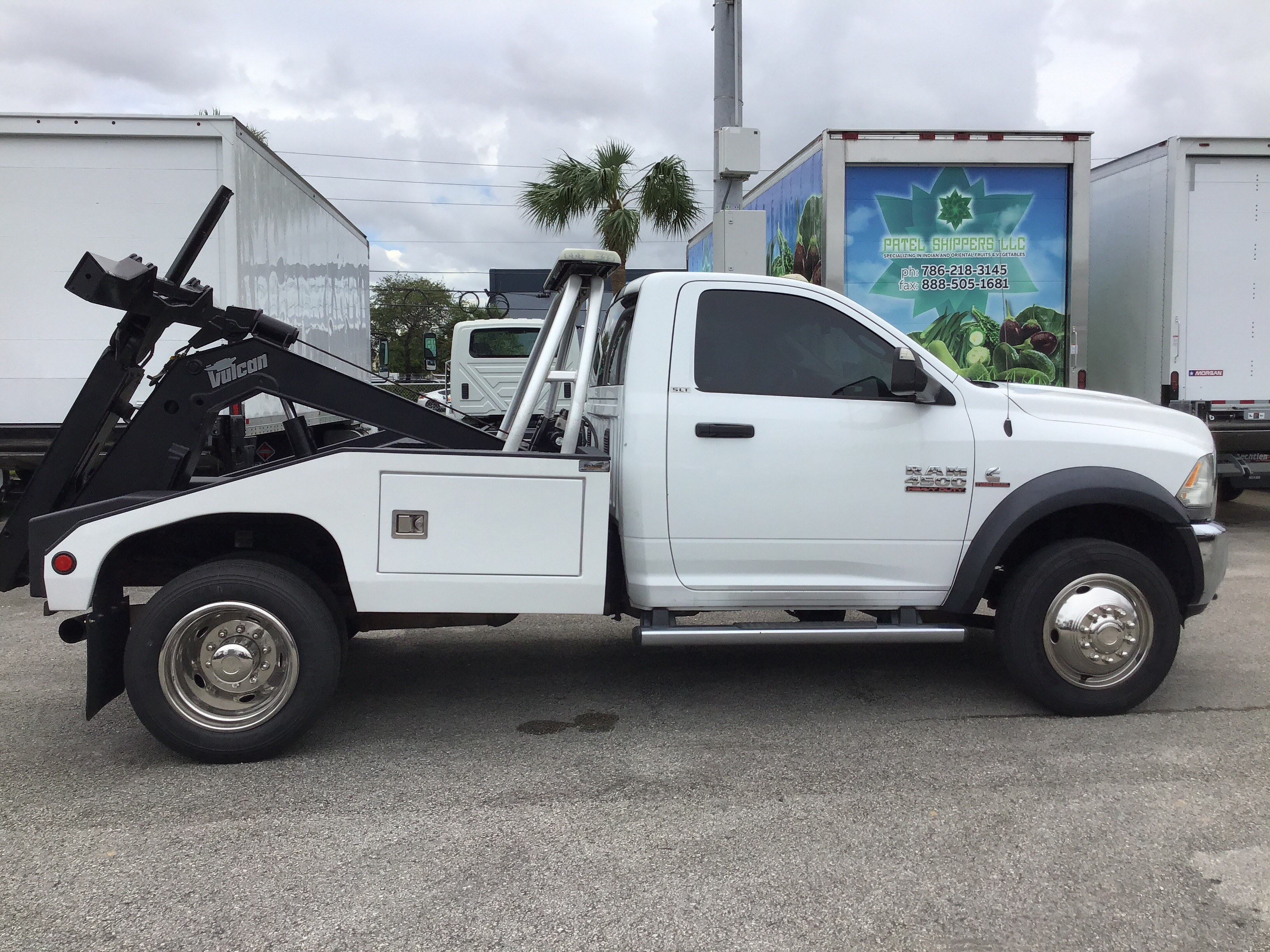 Pre-Owned 2014 DODGE 4500