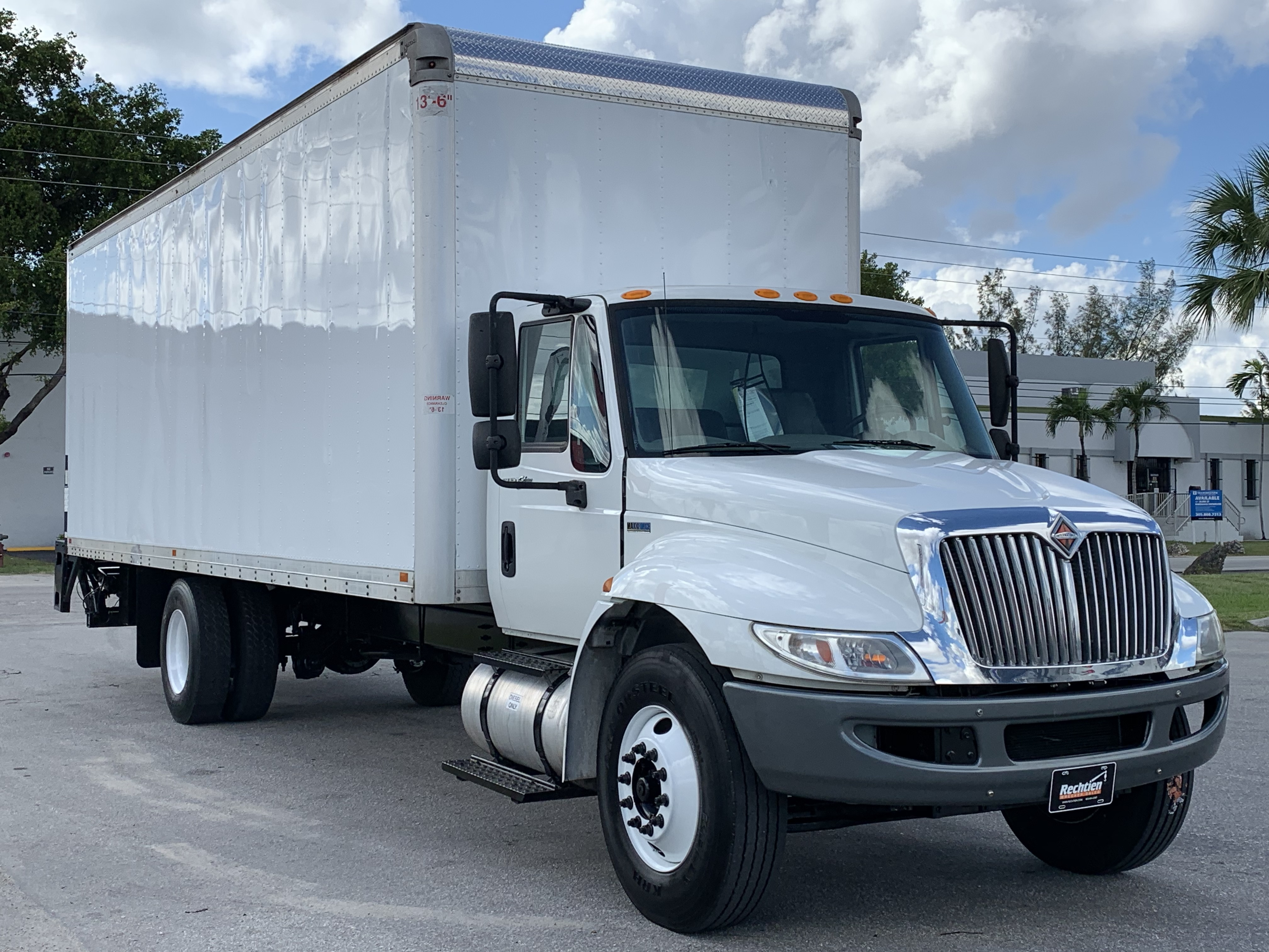 Pre-Owned 2015 INTERNATIONAL 4300