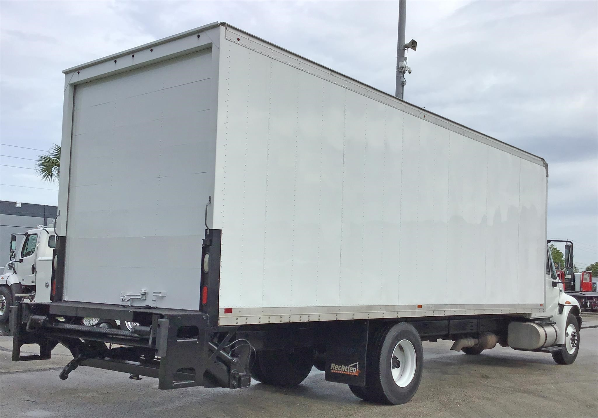 Pre-Owned 2014 INTERNATIONAL 4300