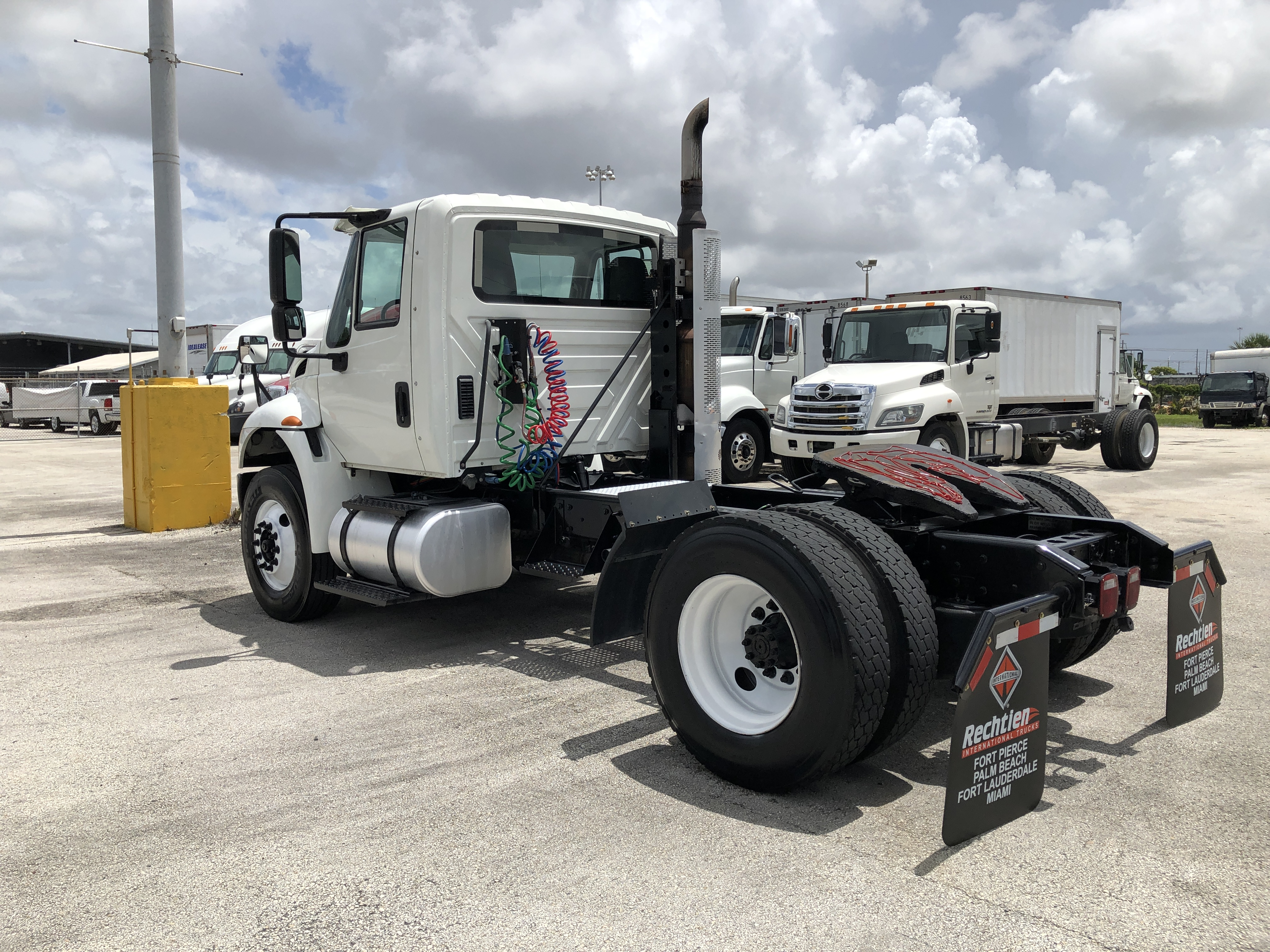 Pre-Owned 2016 INTERNATIONAL 4400