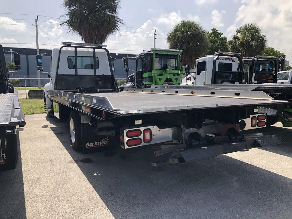 Pre-Owned 2014 HINO 258