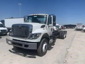 Pre-Owned 2014 INTERNATIONAL 7400