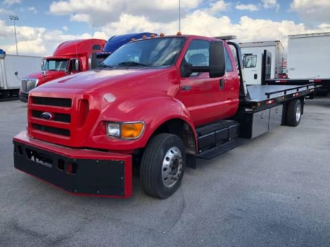 Pre-Owned 2015 FORD F650