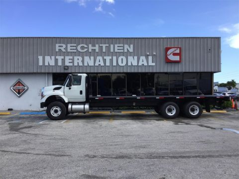 Pre-Owned 2015 INTERNATIONAL 7400