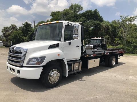 Pre-Owned 2014 Hino 268